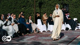 ??  ?? Modeschau der saudischen Designerin Prinzessin Safia Hussein Guerras in der belgischen Botschaft in Riad