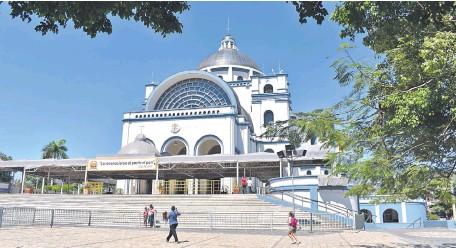 ??  ?? Los devotos adelantaron su llegada a la Basílica desde finales de octubre.