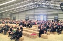 ?? PHOTO: SHAWN MCAVINUE ?? Opposition . . . Farmers gather at a meeting in Waimumu, near Gore, yesterday to hear about new freshwater rules.