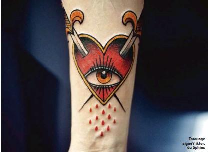 ??  ?? Tatouage signé V iktor, du Sphinx