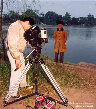 ??  ?? Othello shooting in Hanoi35mm circa 1996