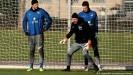 ??  ?? Seit 2015 in Diensten der Hertha: Petry (2.v.l.) mit den Torhütern Rune Jarstein (l.) und Alexander Schwolow