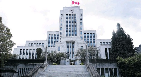 ?? NICK PROCAYLO/PNG FILES ?? Advocates will gather at Vancouver City Hall on Wednesday to support a motion to council calling on Vancouver to be a living wage employer.