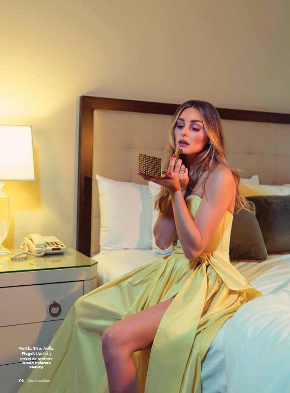 ??  ?? Vestido: Etro. Anillo: Piaget. Lipstick y paleta de sombras: Olivia Palermo Beauty.