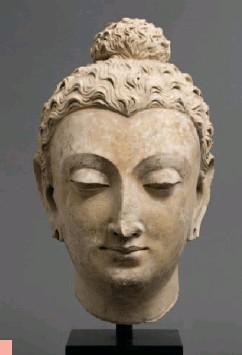 ??  ?? Tête de Bouddha 3 Gandhara, Taxila (?) IVE – Ve siècle après J.-C. Stuc ©Musée d'art de Mendrisio