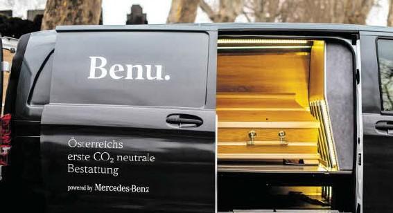 ?? BILD: SN/MERCEDES ?? Das erste Bestattungsfahrzeug auf Basis des elektrisch angetriebenen eVito ist seit 16. Jänner österreichweit im Probeeinsatz.