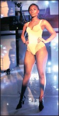 ?? PICTURES: DIMPHO MAJA / ANA ?? ALL WOMAN: Thando Thabethe launched her underwear and shapewear range called Thabooty's at Randlords last week.