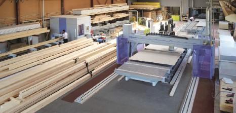 ??  ?? ■ Compact machines for timber construction. Source: WEINMANN Holzbausystemtechnik GmbH