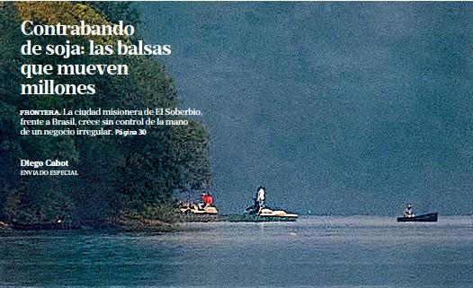 ?? Hernán zenteno/enviado especial ?? Balsas con cargas ilegales cruzan el río Uruguay, entre El soberbio (Misiones) y Brasil
