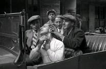 ??  ?? >> Arbeiterfotografie der 1920er-jahre von Kurt Pfannenschmidt, Ernst Thormann und Richard Walke im Bröhan-museum Berlin.