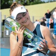 ?? FOTO ČTK ?? Třetí letošní trofej. Přidá Krejčíková další úspěch v Tokiu?