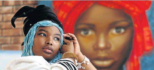 ?? Picture: Esa Alexander ?? Anita Sikhutshwa, a traditional healer from Woodstock, Cape Town, left a well-paid job to follow the calling she could no longer ignore.