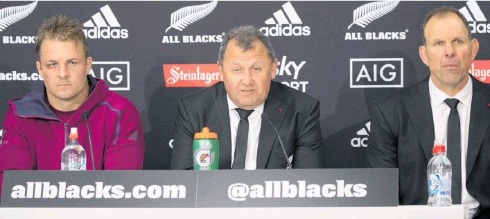 ?? Photo / Mark Mitchell ?? The All Blacks' top ta­ble of cap­tain Sam Cane (left), head coach Ian Fos­ter and as­sis­tant John Plumtree.