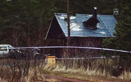 ?? FOTO: IVAR JANSSON/NYA ÅLAND/SPT ?? Det var sent på lördagskvällen den 26 december 2020 som nödcentralen mottog ett larm om en brand i ett bostadshus i Eckerö. En man avled i branden.
