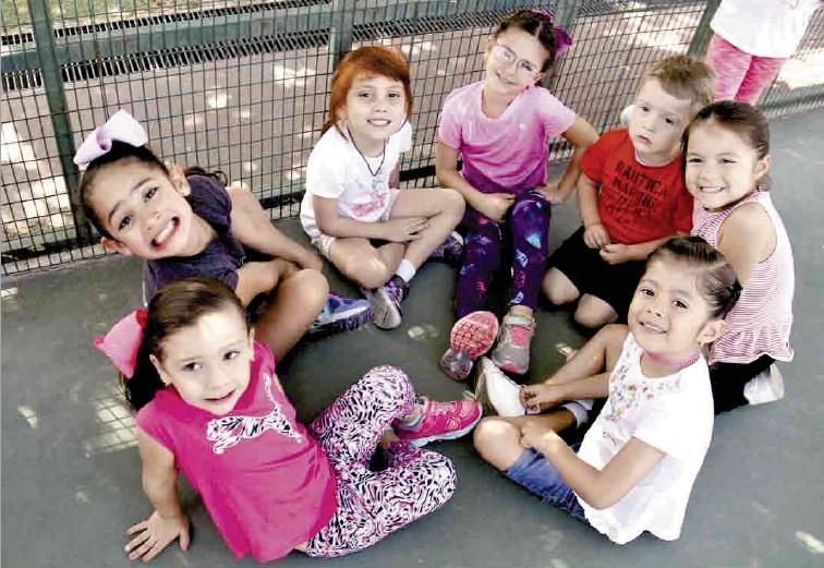 ??  ?? Miranda de la Peña, Sofía Vázquez, Valeria Alvear, Maya Rodríguez, Rafa Morelos, Lilia Canizales e Irlanda Saucedo.