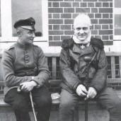??  ?? ■ Manfred von Richthofen recuperating after his head wound, photographed with Karl Heino Grieffenhagen. (USAF)