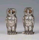 ?? © TOOVEY'S 2021. ?? A pair of Victorian novelty silver owl salt and pepper, London 1879, by Thomas Johnson II, height 6.5cm