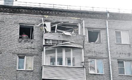 ??  ?? Жильцы дома № 37 на ул. Молодёжной после переполоха вернулись в свои квартиры, но пока не все.