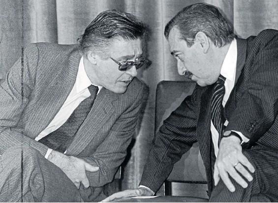 ??  ?? Clave. Juan Sourrouille condujo e implementó un plan antiinflacionario que permitió que Alfonsín ganara las elecciones legislativas de 1985.