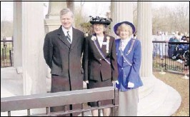 ??  ?? Attending the wreath laying at the tombs of Andrew and Rachel Jackson are author Jon Meacham, Tennessee Society of the United States Daughters of 1812 state president Charlotte Miller and honorary state president Bettie Gustafson of Millington.