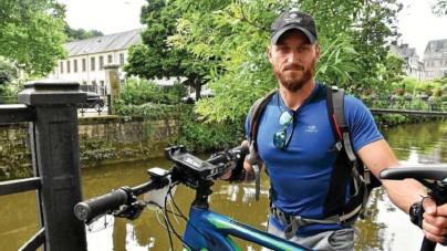 ?? Jean Le Borgne ?? Le Finistérien s'élance ce vendredi de Nantes pour 370 km à vélo au profit de l'association People and the sea.