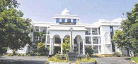 ?? R. RAGU ■ ?? According to the committee, which included PWD officials, as many as 17 blocks on the 30-acre college campus were not in use.