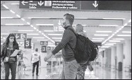 ??  ?? Viajeros llegan al Aeropuerto Internacional de Ciudad de México