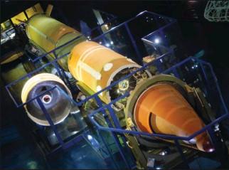 ?? PHILIPPE WODKA-GALLIEN. ?? Au musée de l'Air et de l'Espace du Bourget, un missile S3D, identique aux 18 engins du plateau d'Albion. On distingue le corps de rentrée porteur de la charge nucléaire.