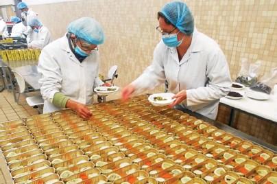 ?? Le Télégramme/Gwen Rastoll ?? La Quiberonnaise a besoin de saisonniers, pour la saison de la sardine, qui commence en mai.