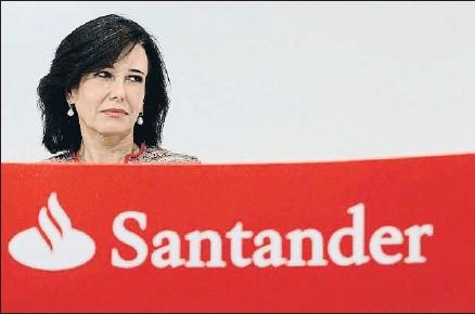?? EMILIA GUTIÉRREZ ?? Ana Botín, al frente del Santander, entidad que ha dado el pistoletazo de salida de venta de inmobiliario