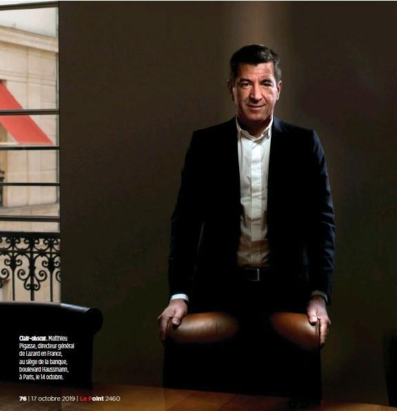 ??  ?? Clair-obscur. Matthieu Pigasse, directeur général de Lazard en France, au siège de la banque, boulevard Haussmann, à Paris, le 14 octobre.