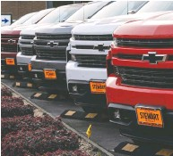 """?? DAVID PAUL MORRIS / BLOOMBERG ?? GM is doing """"everything possible"""" to not lose production of full-size trucks and SUVs, CEO Mary Barra says."""