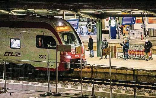 ?? Fotos: Guy Jallay ?? Bahnreisende werden 2021 gleich mehrere Streckensperrungen und veränderte Fahrpläne in Kauf nehmen müssen.