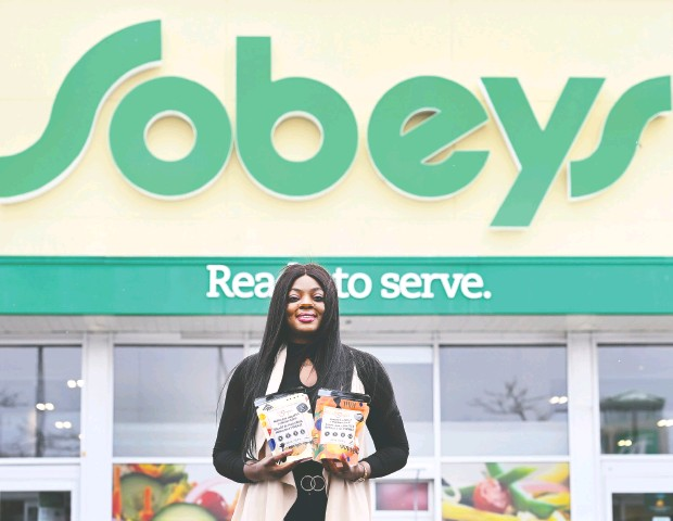 ?? NATHAN DENETTE / THE CANADIAN PRESS ?? Lola adeyemi started her canadian soup company It's Souper with the help of savings, loans and grants. black entrepreneurs like her often find themselves underfunded by venture capitalists who invest in companies run by people in their predominantly white and male networks.