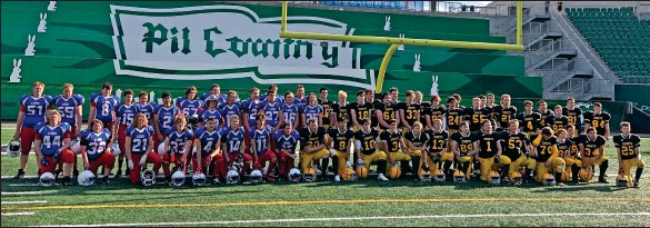 ?? SUBMITTED PHOTO ?? The Gull Lake Lions and Melfort Comets held a joint practice and controlled scrimmage on September 3 at Mosaic Stadium.