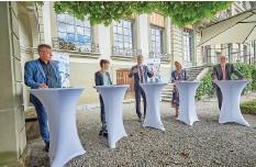 ?? Foto: Adrian Moser ?? Der Berner Gemeinderat: Reto Nause, Franziska Teuscher, Alec von Graffenried, Marieke Kruit und Michael Aebersold (v. l.).
