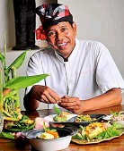 ??  ?? Join Jala Cooking Academy head chef Kris on market tours