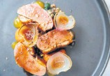 ??  ?? Duck breast with carrot caramel, puffed rice and plum sauce.