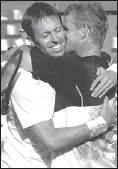 ?? JEAN-PAUL PELISSIER, REUTERS ?? Canada's Daniel Nestor, left, and teammate Mark Knowles celebrate their French Open win.