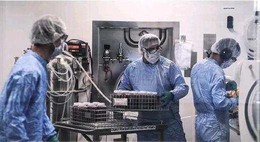 ??  ?? Le laboratoire Sanofi va créer une entité européenne spécialisée dans la production de principes actifs pharmaceutiques.