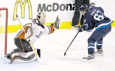 ?? Michael Goulding/ The Associated Press ?? Anaheim Ducks goalie Frederik Andersen secured his No. 1 spot with solid play down the stretch.