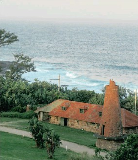 ??  ?? The stately Botha House, left, which has hosted many political leaders, including Jan Smuts and FW de Klerk, has a sweeping view over the ocean, right, and old ruins