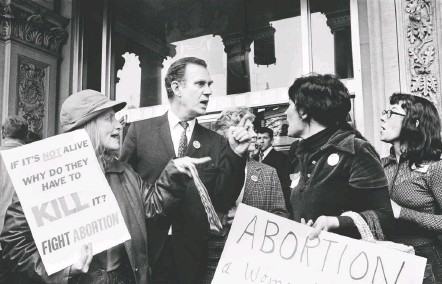 ?? ASSOCIATED PRESS ?? Demonstrators argue on the steps of the New Jersey State House in 1973, four months after the Supreme Court's Roe v. Wade decision.
