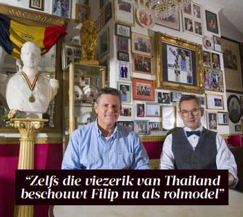 ?? FOTO SIMON MOUTON ?? Ben en Paul van café Leopold, dat gedecoreerd is als een museum van de monarchie.