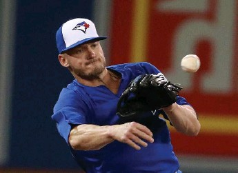 ?? STEVE RUSSELL/TORONTO STAR ?? The Blue Jays can afford Josh Donaldson but they still haven't given a true indication of which way they're headed this off-season, trying to contend with the third baseman or planning a rebuild that doesn't include him.