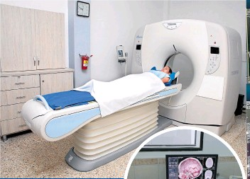 ??  ?? Equipo de Tomografía de última tecnología