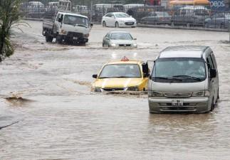 ??  ?? سيول تغرق وسط عمان خلال الفيضانات التي شهدتها العاصمة العام 2018