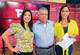 ??  ?? Yudy Duque, Óscar López Noguera y Angélica María Donneys, integrantes de Telepacífico Noticias.