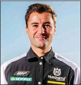 ??  ?? Pierre-alexandre Renet, manager Rockstar Energy Factory Husqvarna, visera la victoire avec un de ses pilotes.