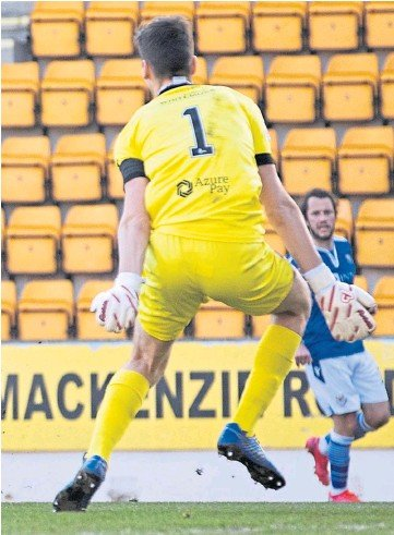 ??  ?? PERFECT FINISH: Michael O'halloran was the star of the show in the win over Clyde and capped his performance with this fine shot for the second goal.